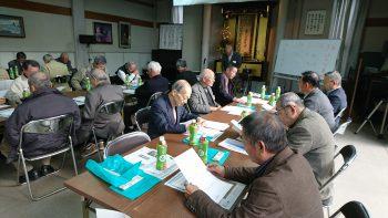 12月7日(水)、昭徳寺にて21名の門徒会の方々がご参集され、3つの班に分かれて各々の所属寺と異なったご住職さんと意見交換会が、行われました。